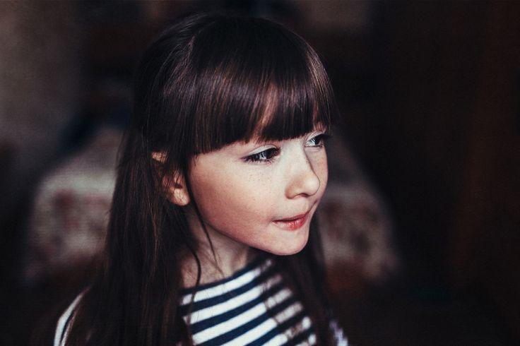 child portrait - child portrait, expressive eyes of a little girl