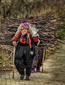 Crush Cul de Sac/ these wonderful, beautiful old people who do more than their share throughout life :). Turkey