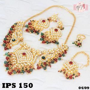 Set Perhiasan Wanita Permata Warna Emerald Rubi PS150     Fast Respon Pin BB : 5F81C0E7 No Hp : 081223335084 order mudah Via WA klik http://bit.ly/minatxupingPPI bahan dasar tembaga (bukan besi). dilapisi RODHIUM yang biasanya digunakan untuk melapisi emas di toko-toko emas 18k.Permata Zircon, Bisa di sepuh ulang dan anti alergi.