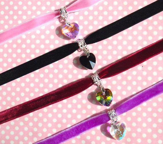 Gargantilla de terciopelo de corazón de cristal en negro arco iris rosa AB o AB claro