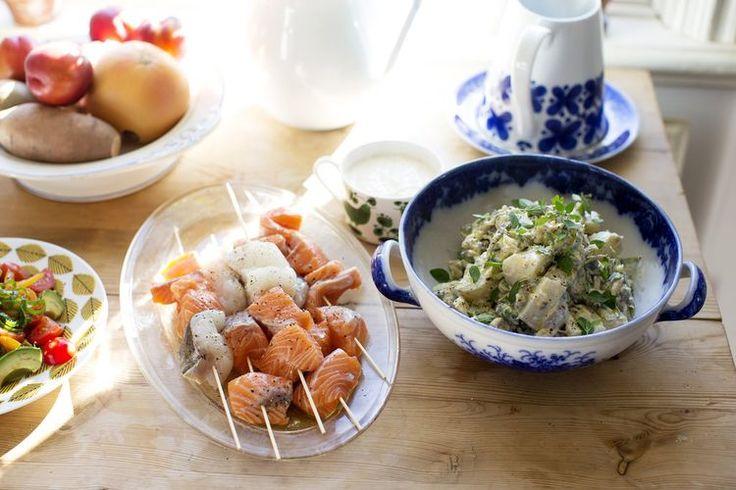 Potetsalat med capers, asparges, aioli og dijon.
