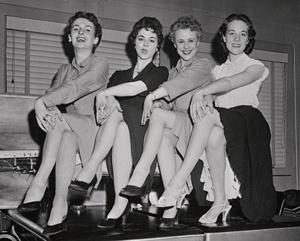 Julie Andrews Biography Photo
