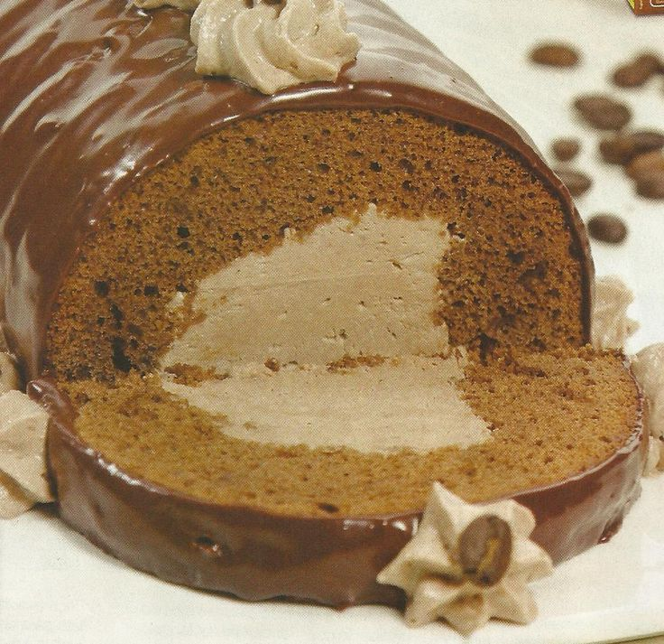 Bolo de Chocolate com Mousse de Café - https://www.receitassimples.pt/bolo-de-chocolate-com-mousse-de-cafe/ Clique no site