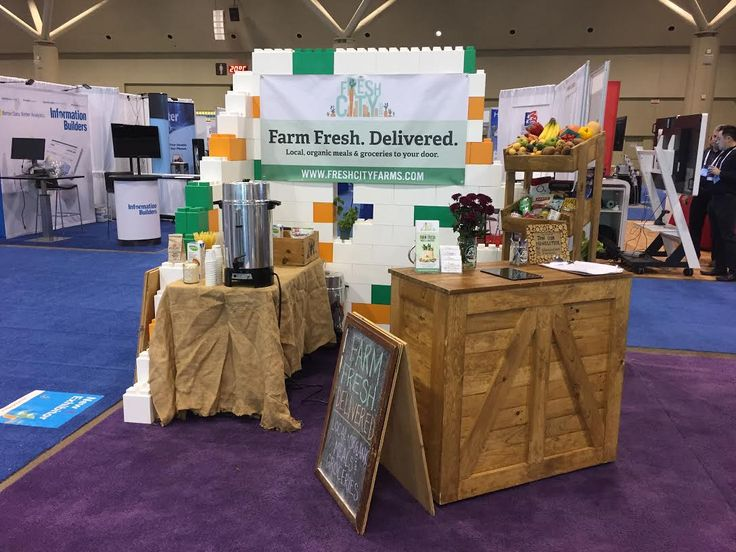 Fresh City Farms exhibit #modular #everblock #design #create #build #buildingblocks #DIY #tradeshow #booth #seating #chairs #event #specialevent #conference #meeting #display #shelves #exhibit #freshcityfarms