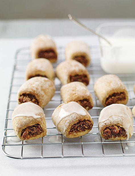 Deliziosi e croccanti, i biscotti con fichi hanno un dolce cuore tutto da gustare. Prova la ricetta di Sale&Pepe.