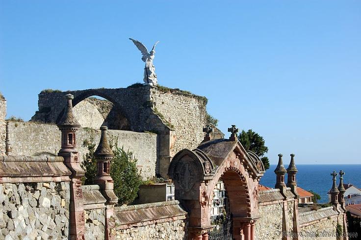 Cementerio de la villa de Comillas | Cantabria | Spain