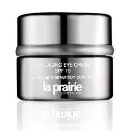 Smarte Pflege - Beauty-Produkte für den Urlaub - © La Prairie Die empfindliche Augenpartie braucht spezielle Pflege mit Lichtschutzfaktor: Die Anti-Aging Eye Cream SPF 15 repariert, pflegt und schützt die Augenpartie...