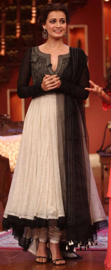 Pinterest:@Littlehub || คdamant love on Anarkali's ✿。。ღ || Dia mirza in tarun tahiliani anarkali