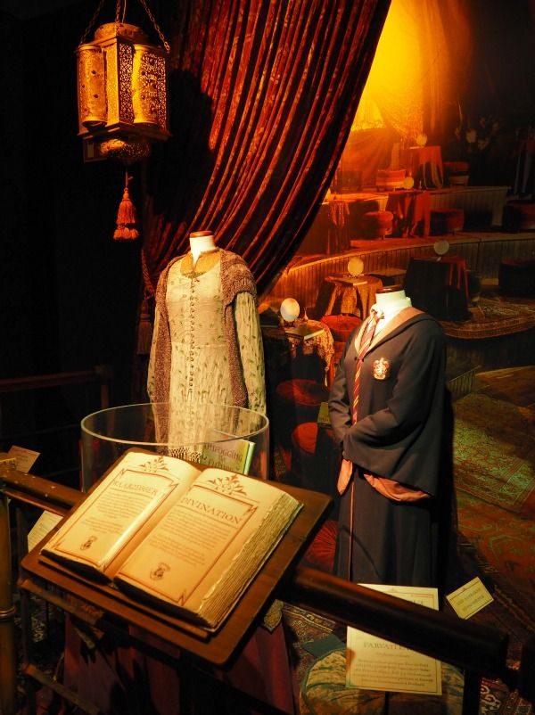 Harry Potter original costumes / Harry Potter movies / Harry Potter exhibition / Harry Potter props / Harry Potter clothes / Harry Potter outfits / Harry Potter expo