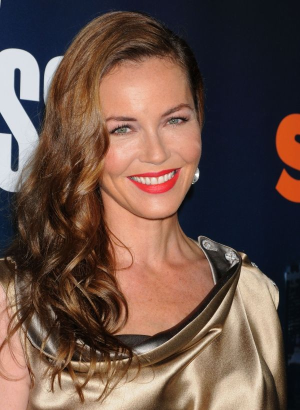 Pin By Unomatch Socialnetwork On Connie Nielsen -2702