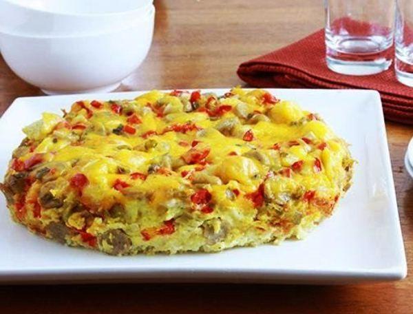 Овощная запеканка с колбасой и сыром