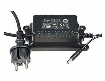 The LGB Weatherproof Switched Mode Power Pack 36W / 18V is an essential item for any model railway enthusiast.  Weatherproof (IP 67) switched mode power pack for supplying current to the 51099 locomotive controller