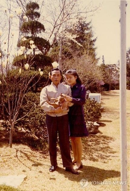 박정희 전 대통령과 그의 딸, 현 대통령 박근혜