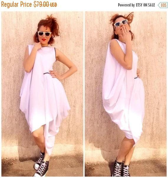 SALE 30% OFF White Maxi Plus Size Dress / Loose Maxi Dress / https://www.etsy.com/listing/184492048/sale-30-off-white-maxi-plus-size-dress?utm_campaign=crowdfire&utm_content=crowdfire&utm_medium=social&utm_source=pinterest