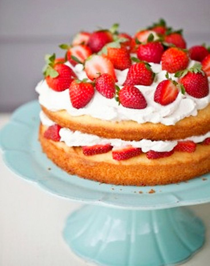 Easy Strawberry Shortcake, This comes from Chic & Easy, a new show by the Food Network. I made this tonight and it hardly took any time at all. The entire family ate it up.