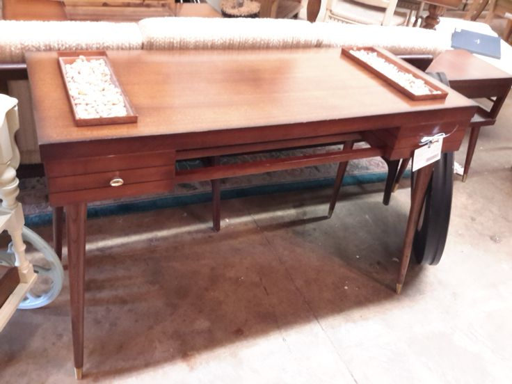 Mid Century Entry Hall Table | The Millionaire's Daughter