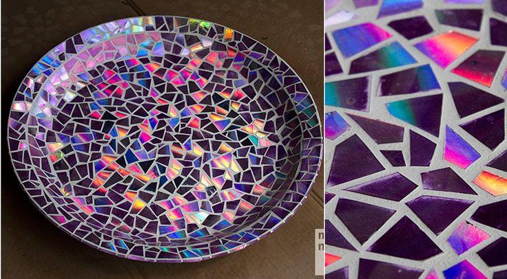 Hermoso mosaico para bandejas hecho con CD's