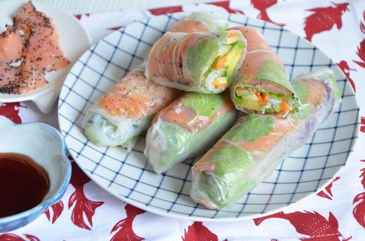Rouleaux de printemps au saumon fumé : une recette expliquée pas à pas pleine de fraicheur et de légèreté, parfaite avec les beaux jours qui arrivent.
