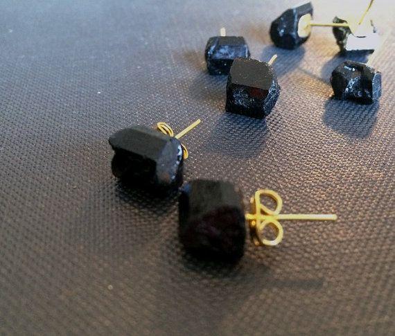 Black tourmaline stone stud Earrings // by BlackDahliaAtelier