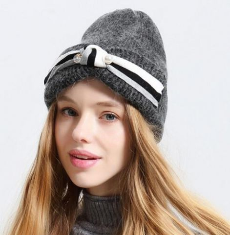 e6f84c36f31 Rabbit fur knit hat for young ladies pearl decoration winter beanie hats