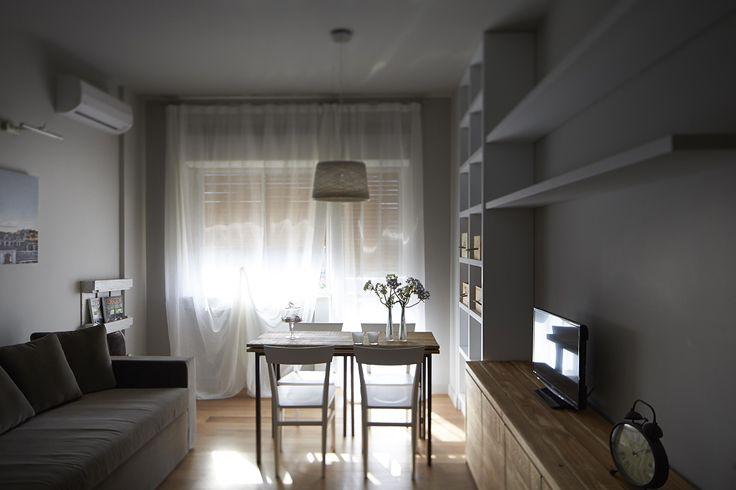 Comodissima zona living completata da una postazione di lavoro multifunzionale e angolo cottura.  #residence #apartment #livingroom #Catania #Sicily #travel #holiday #leisure #businesstravel #design #luxury #style