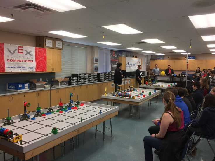 Vex event starting up! Will be running from now to 3:30pm in the enter2 & imaker rooms at Highland high school. Come by and see kids, robots, problem solving and fun! #weareyqq #CreativeCanada