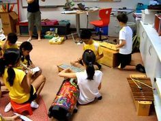 Canoe Song recorder with accomp instruments - looks like other kids are peer assessing during it