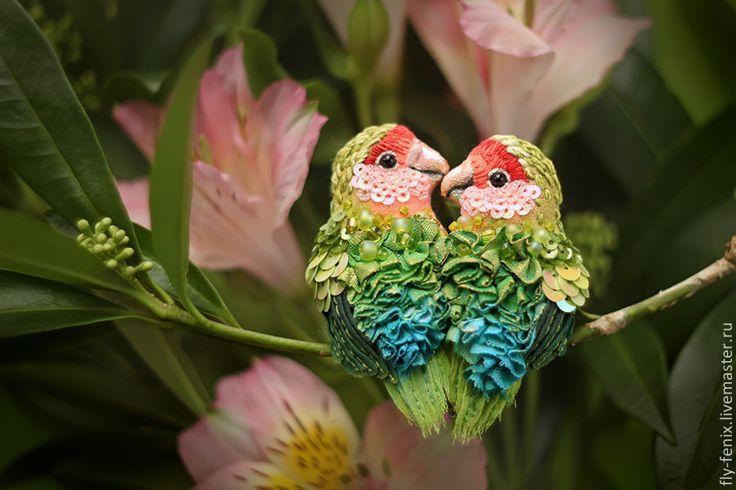 Купить миниатюрная брошь - Неразлучники - птица, птичка, пташка, миниатюра, маленькая брошь, на платье, брошка