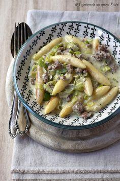 Experimente aus meiner Küche: Hackfleisch und Lauchpfanne mit Kartoffelnudeln   – FOOD