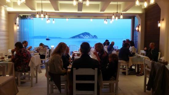 Φωτογραφία: Ίσαλος εστιατόριο