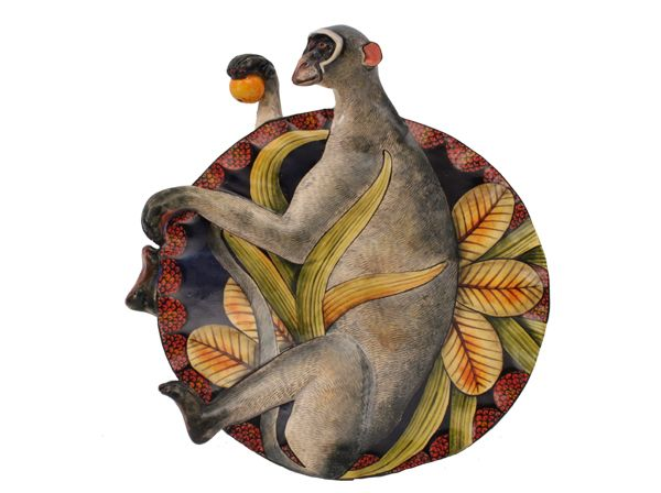 2017 Winter School student Bongani Mthalane has sculpted this mischievous Vervet Monkey Coin Dish which has been beautifully painted by Mandla Ngwenya
