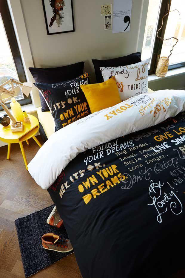 #Beddinghouse #dekbedovertrekken Feel Good Yellow #Dekbedovertrek Feel Good is verfraaid met bemoedigende woorden. Teksten als 'Live your dream', 'A true #love story' en 'Smile a lot' zijn geschreven in geschilderde #letters, waardoor er een speelse en moderne sfeer ontstaat. Meer informatie over #dekbedden? http://www.wonenwonen.nl/dekbedden-en-kussens/beddinghouse-dekbedovertrekken/8734