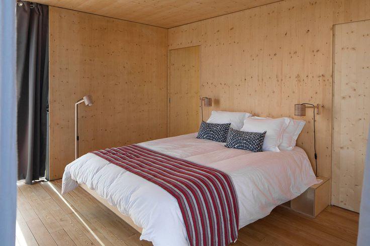 Одна из спален плавучего дома. Количество спален зависит от выбранной модели. .