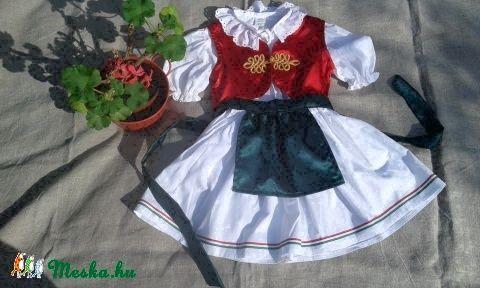 Magyaros lányka együttes (blúz, szoknya, kötény, és mellény) (peteryeva) - Meska.hu