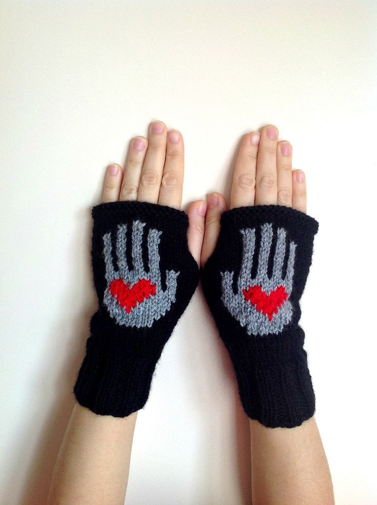 Red Heart Knitting Pattern Mittens : Valentines Day Gift Red Heart on My Hand Pattern ...
