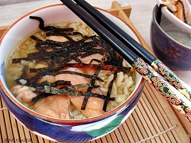 Mitinita: Ochazuke: orez,ceai verde si somon afumat