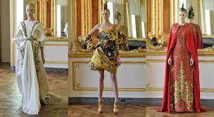 modernos vestidas con brillos de oro como los antuguos