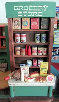 Tracy's Toys (and Some Other Stuff): Old Dollhouse Grocery Shops