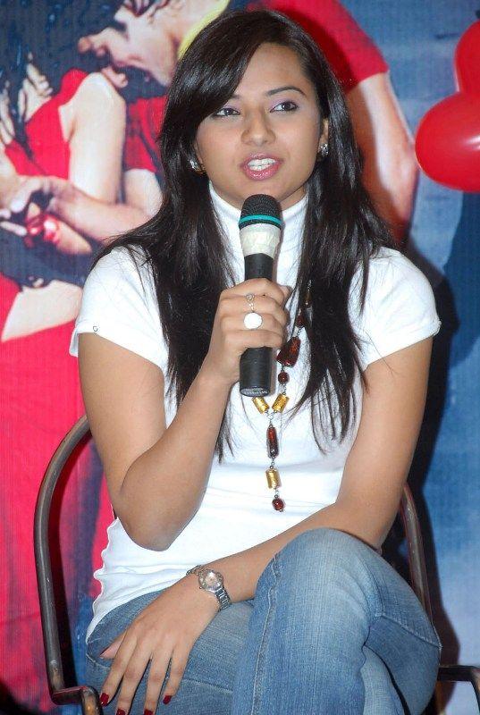 Cute Actress Isha Chawla http://celebritiesinfos.com/cute-actress-isha-chawla.html