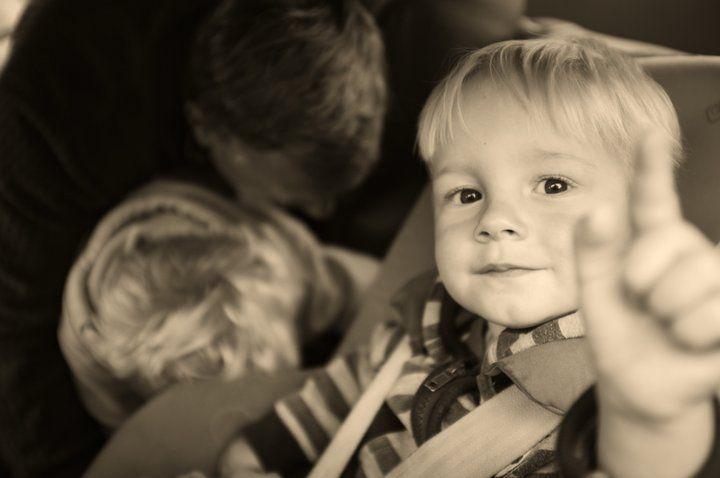 Recomendaciones para la familia con niños cuando deben de hacer viajes largos en automóvil