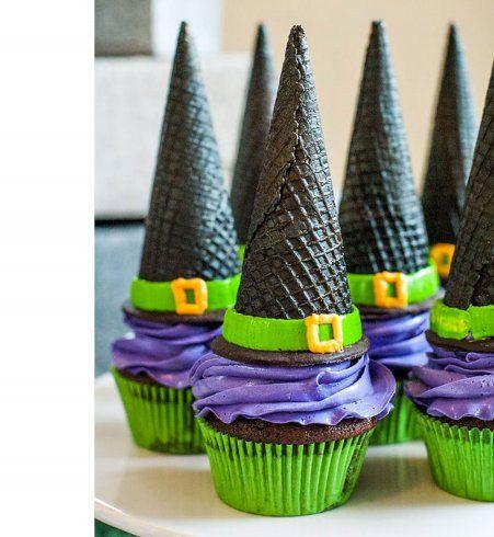 Gâteau d'Halloween : les chapeaux de socières