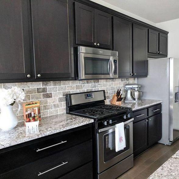 35 Kitchen Backsplash Ideas With Dark Cabinets Subway Tiles