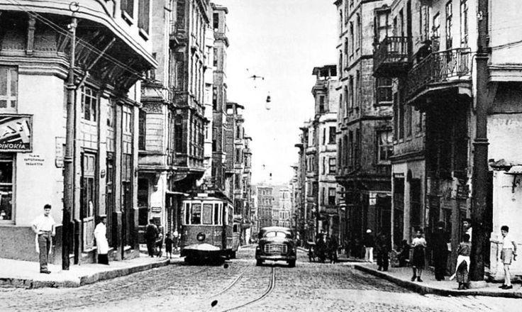 Karakoy Bankalar Caddesi 1950'ler