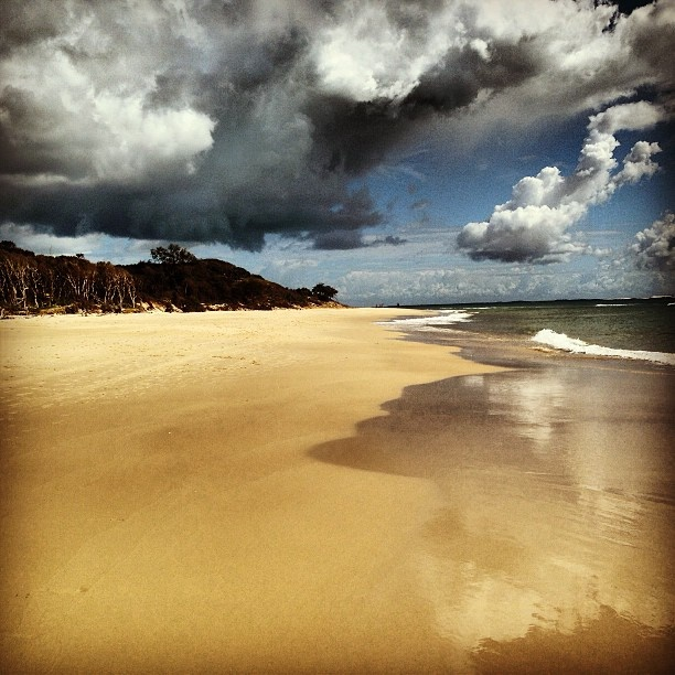 Approaching storm over Home.  Home Beach, Stradbroke Island, 03.04.13.
