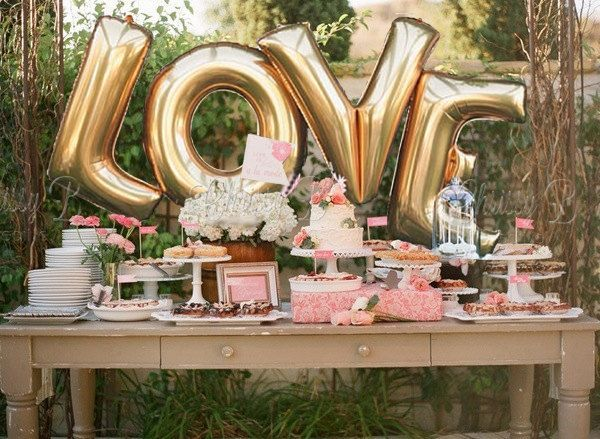 Plan the perfect bridal shower with plenty of flowers and fun! Here are a few ideas on how you can incorporate beautiful blooms in your bridal shower!