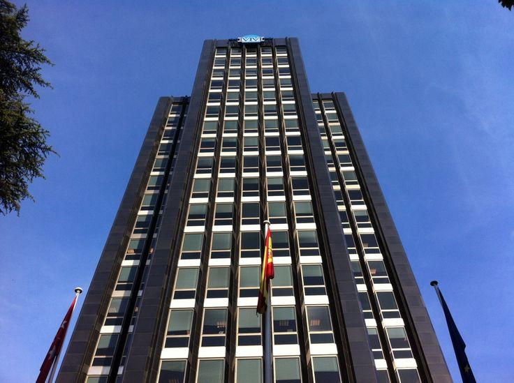 Publicamos el edificio de la Unión y el Fénix Español #historia #turismo #arquitectura http://www.rutasconhistoria.es/loc/edificio-union-y-el-fenix