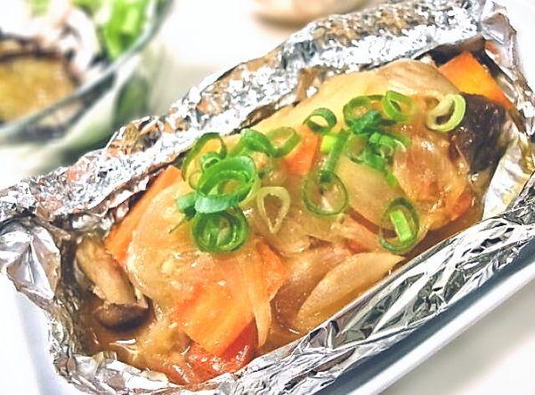 ちゃんちゃん焼き風!鮭の味噌ホイル焼きの作り方