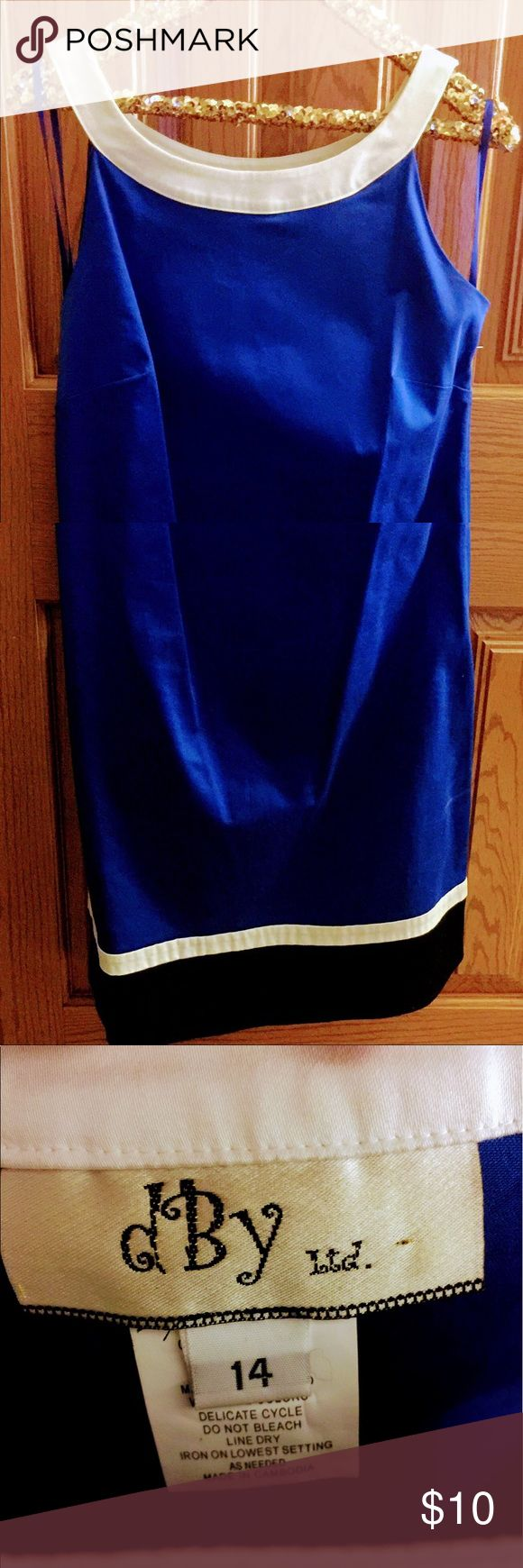 Great Blue Dress👗 Dress it up or Dress it down! Rich blue dress with white straps & a black accent at the bottom. Perfect for the classic woman who maybe wants to try color blocking but is hesitant about going all out! Looks great with black heels 👠 & a black jacket or with a cute pair of sandals or wedges! 97% cotton makes it comfortable & breathable for the summer months ☀️ Size 14 / Comes to right above the knee / Side zipper / EUC Dresses