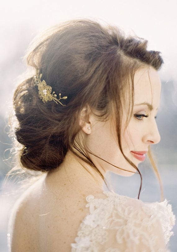 gorgeous wedding hair and accessory