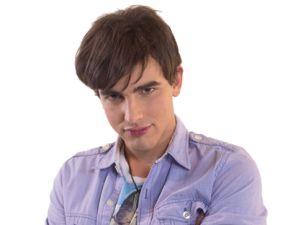 Max: bello e alla moda, tutte le ragazze a scuola hanno una cotta per lui. Ama lo sport, il buon cibo, ascoltare musica e vedere film. Boing Tv
